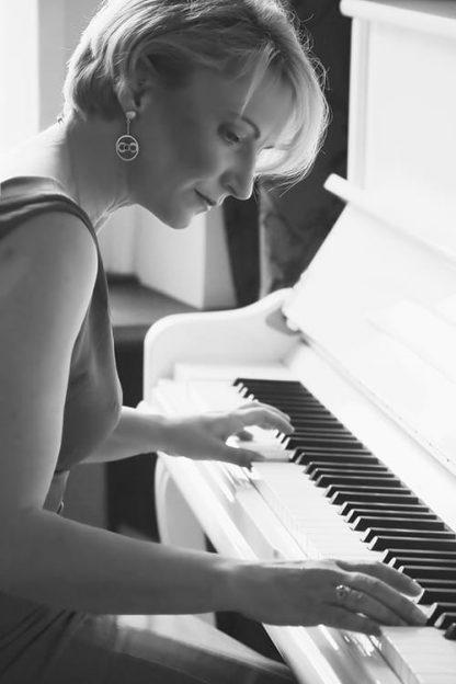 Bianca Balzer Autogrammkarten Piano